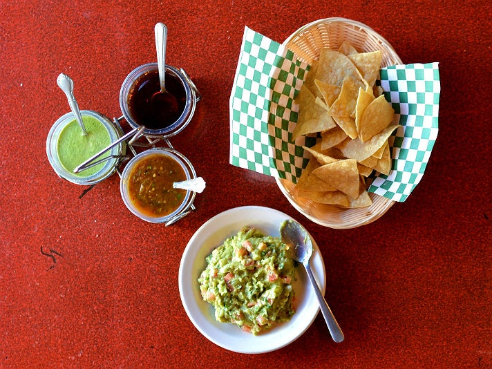 Guacamole con Chips at Mexicanos 30-30