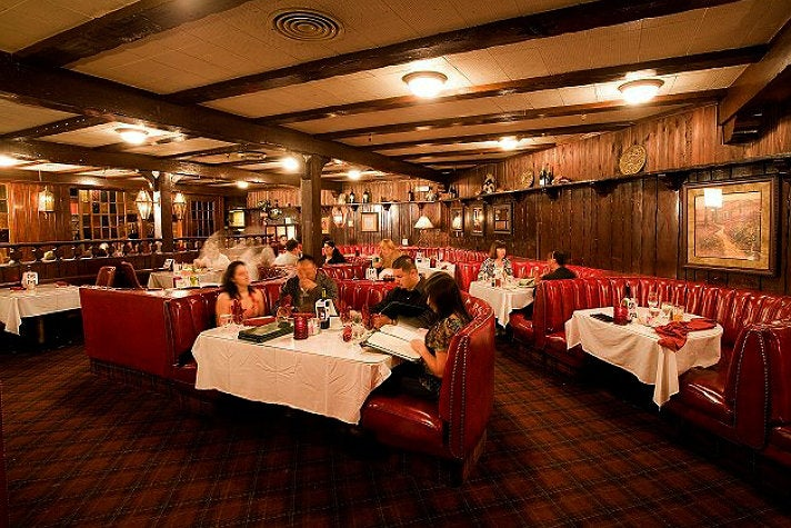 The SmokeHouse dining room